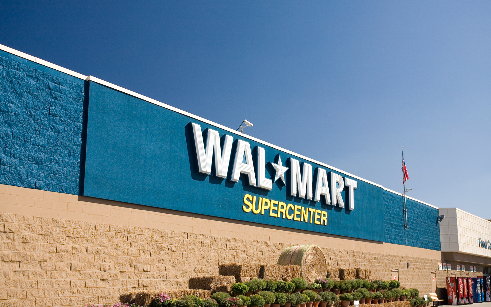 Wal Mart Supercenters Will Giveaway Free Cupcakes On March 12 Pen